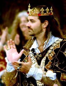 cours danse médiéval 229x300 - Cours de danse Médiévale