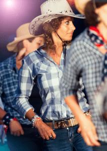 cours de danse country evjf 213x300 - Cours de danse Country